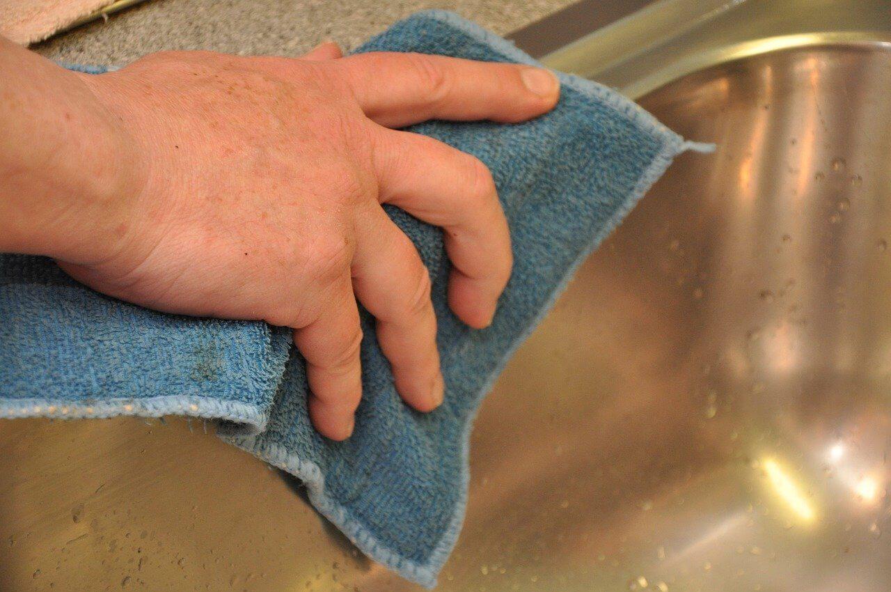 Waschbecken reinigen Reinigungsarbeiten Berlin | GSD Dienstleistung